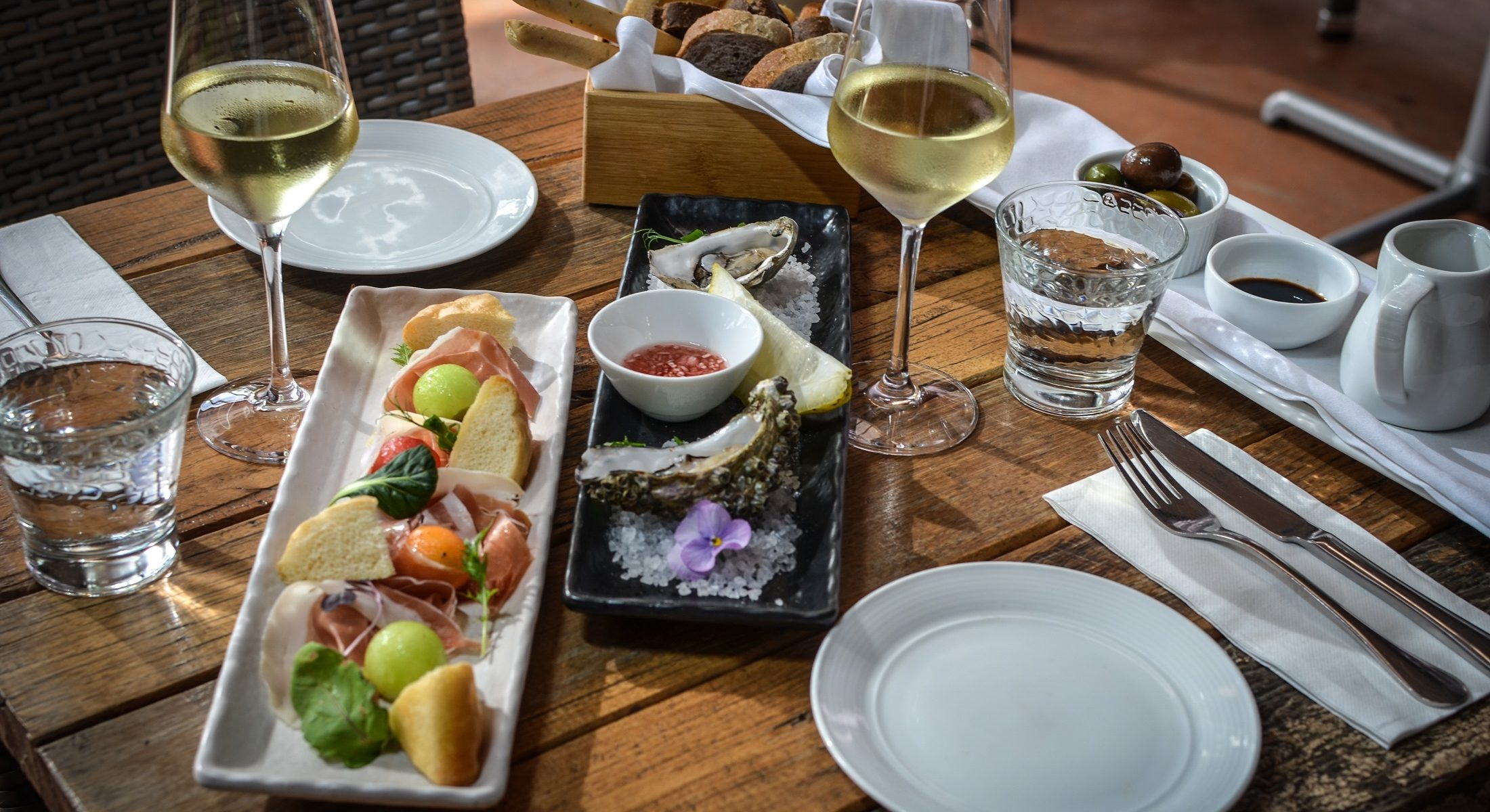 Pause Restaurant Samford Seafood Table For Two Moreton Bay Region