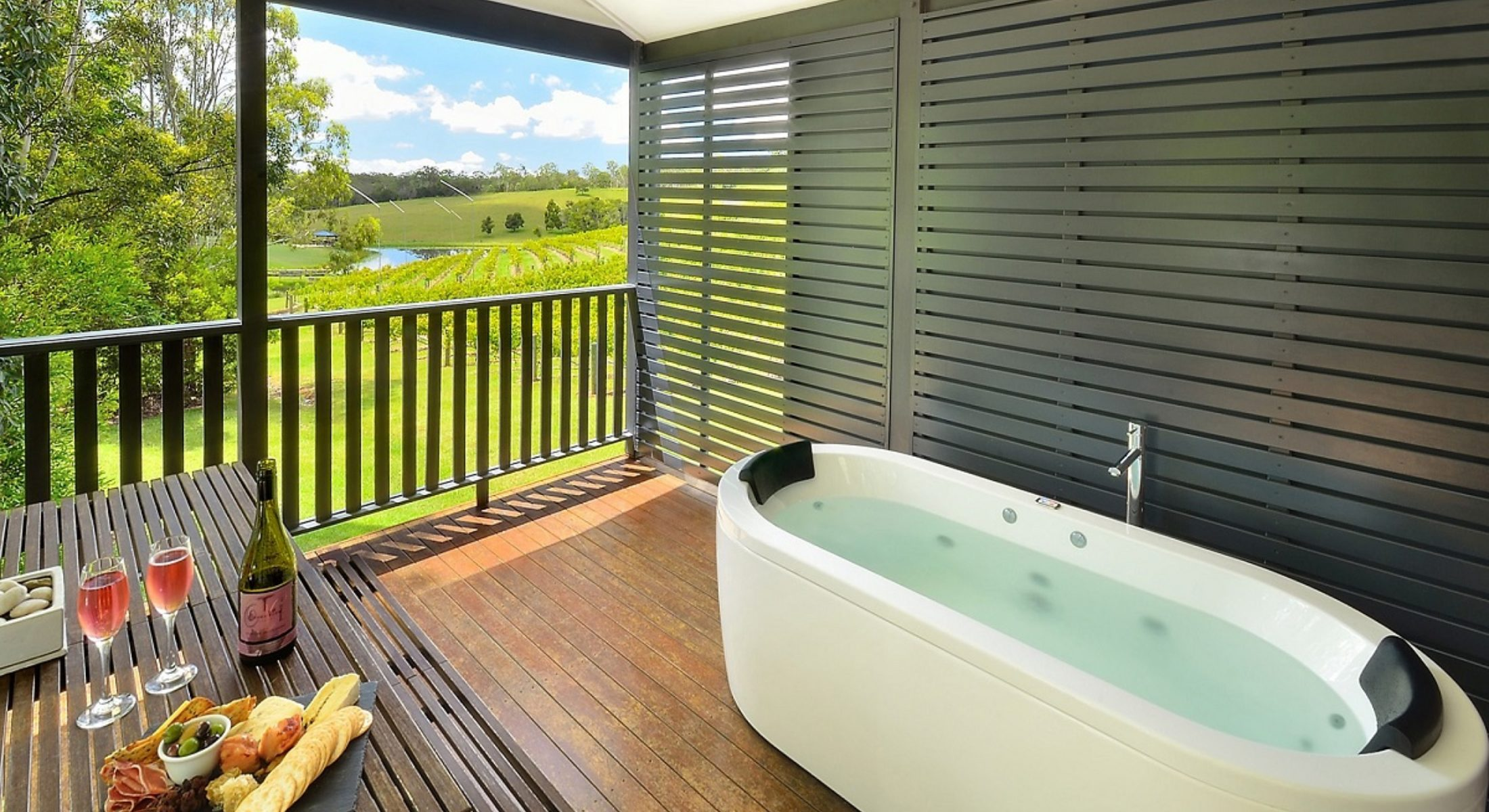 Ocean View Winery Beautiful Accom Spa View Moreton Bay Region