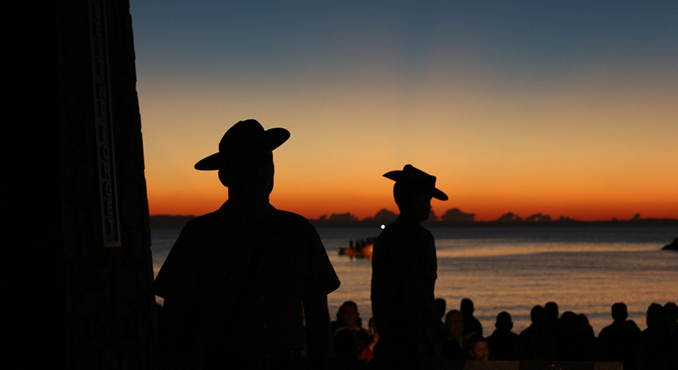 Anzac Day Redcliffe Dawn Service Rising Sun Remember